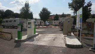 AIRE DE SERVICES CAMPING-CAR PARK - MILLAU VILLE - Millau