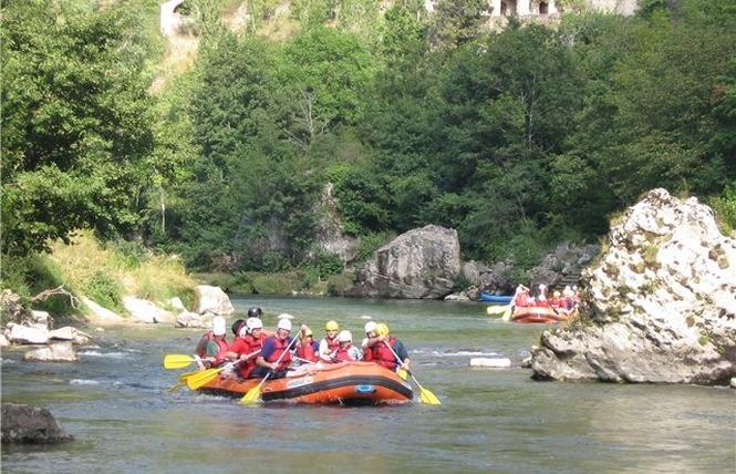 Aigue Vive rafting 1 - Mostuéjouls