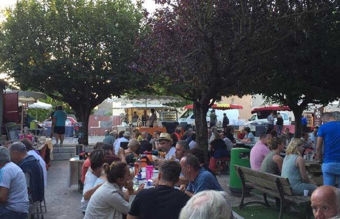 Marché nocturne avec Mercadou du Larzac 1 - La Cavalerie