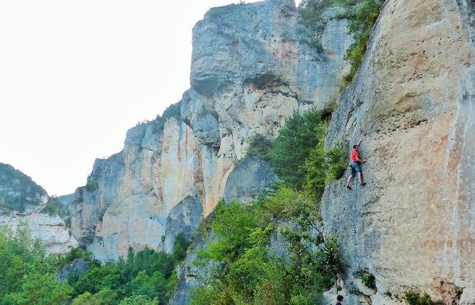 Aventures Occitanes - Escalade 2 - Mostuéjouls